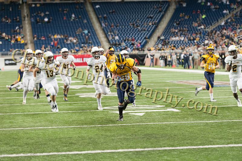2014 Clarkston Varsity Football vs. Saline 656.jpg