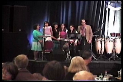 Teeter Family Sings at Passover 05
