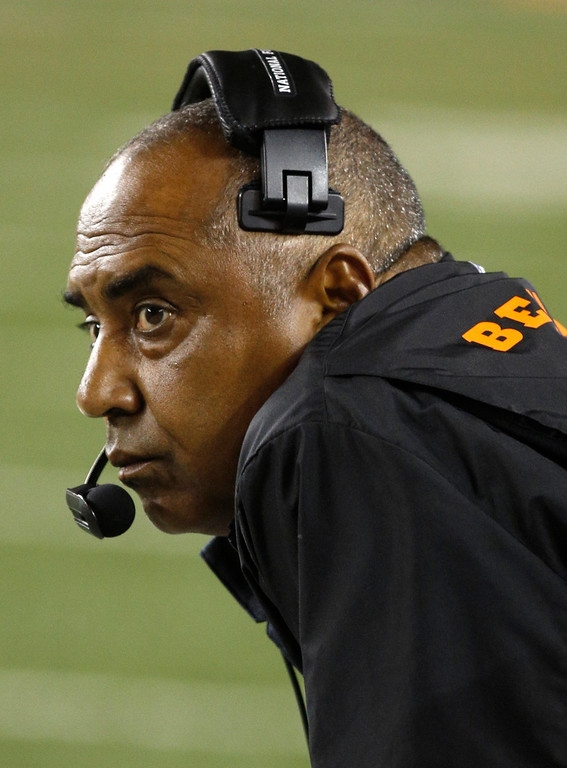 . Cincinnati Bengals head coach Marvin Lewis watches from the sidelines in the first half of an NFL football game against the Pittsburgh Steelers, Monday, Sept. 16, 2013, in Cincinnati. (AP Photo/David Kohl)