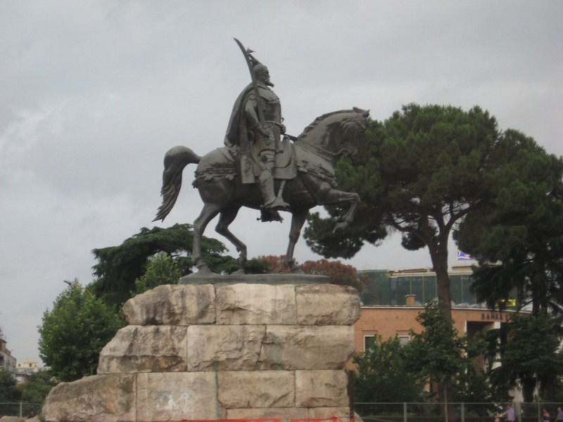 horse_statue.jpg
