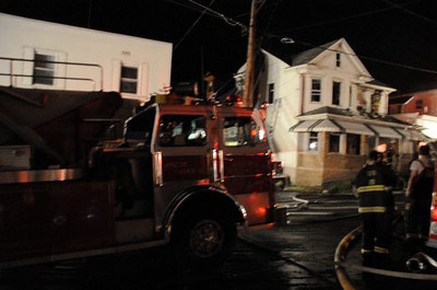 SHAMOKIN HOUSE FIRE 8-26-2010 PICTURES AND VIDEO BY COALREGIONFIRE