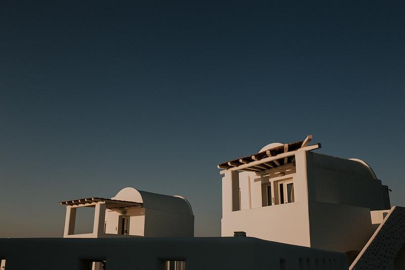 Tu-Nguyen-Destination-Wedding-Photographer-Santorini-Rocabella-Hotel-Euna-Ehsan-609.jpg