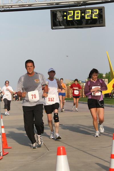 FDIC 2009 2nd Annual FDIC Deputy Fire Chief Ray Downey Memorial 5K Run