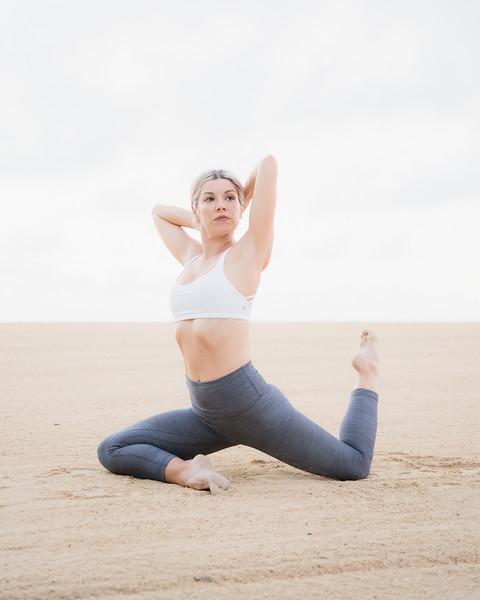 IG - Hawaii - Madeleine Russick - Yoga-195.jpg