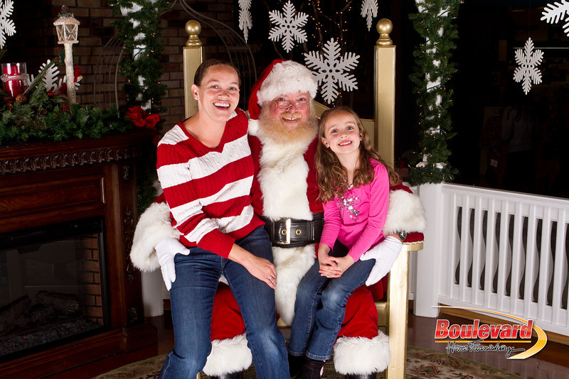 Santa Dec 15-44.jpg