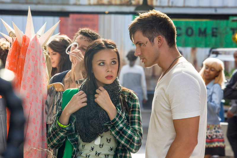". Star Crossed -- ""Our Toll Shall Strive to Mend\"" --  Image Number: STA103a_1090.jpg -- Pictured (L-R): Malese Jow as Julia and Matt Lanter as Roman. (Photo by Skip Bolen/The CW)"