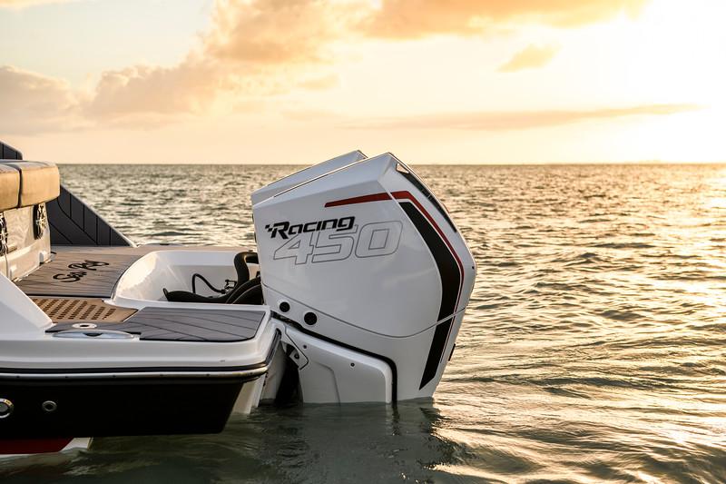 2020-SLX-R-400-e-Outboard-racing-engines-005.jpg
