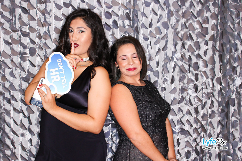 red-hawk-2017-holiday-party-beltsville-maryland-sheraton-photo-booth-0075.jpg