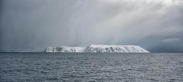Between Tromsø and Honningsvåg
