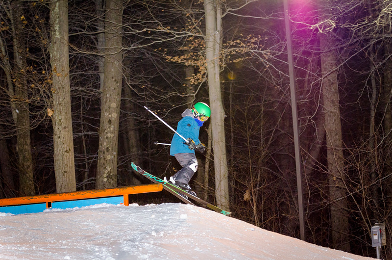 Nighttime-Rail-Jam_Snow-Trails-8.jpg
