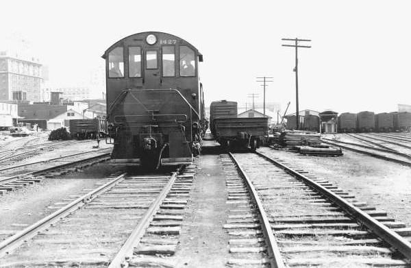 1946 railyard.jpg