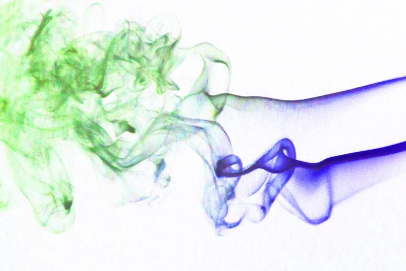 Smoke Trails 4~8482-1ni.