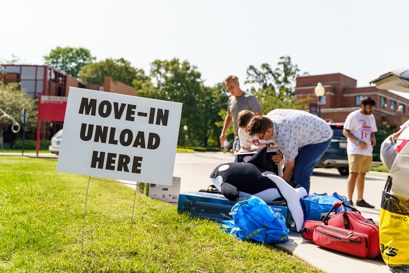 RHIT_Freshman_Move_In_Day_2019-7926.jpg
