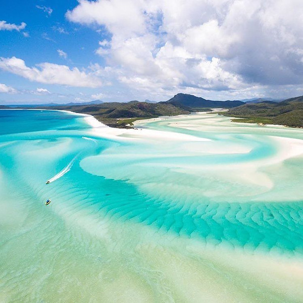 The_beautiful_Whitehaven_Beach_in_Australia__._Shot_by_the_talented__matjoez._by_getdestined.jpg