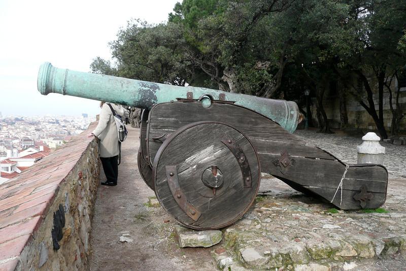 Cannon. Castelo de São Jorge. Alfama, Lisbon