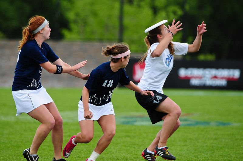 FHI_USAU_2011_Final_Wom_0489.jpg