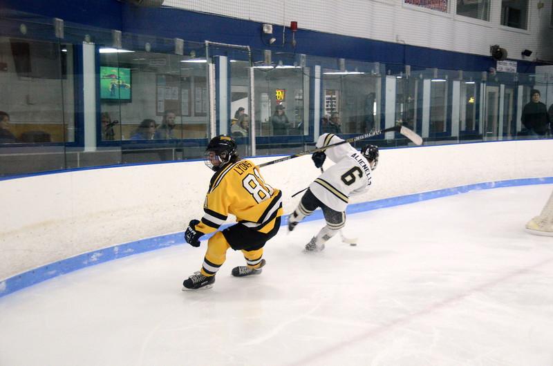 150103 Jr. Bruins vs. Providence Capitals-040.JPG