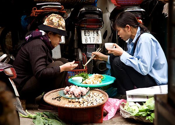 hanoistreetfood2.jpg