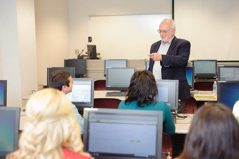 faculty-teaching-business-45.jpg