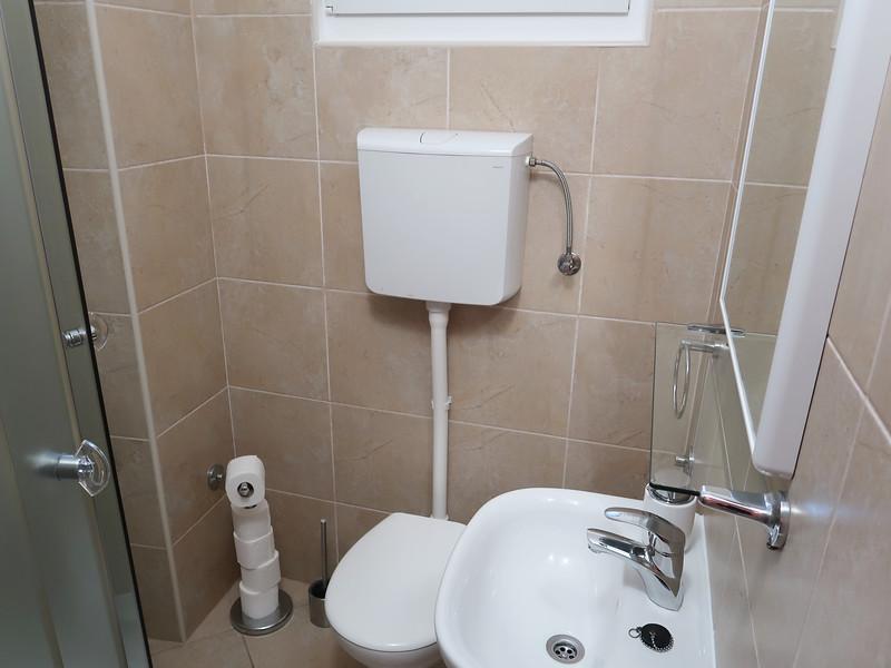 IMG_0953-marija-bathroom.jpg