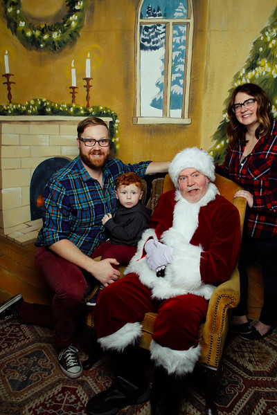 Pictures with Santa Earthbound 12.2.2017-048.jpg