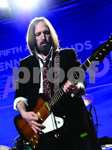 tom-petty-and-his-old-rock-group-mudcrutch-reform-for-another-album-tour