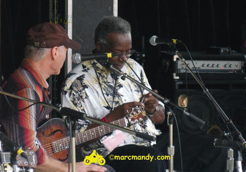 Phila Folk Fest- Sun 8-28 019 Blues Workshop.JPG