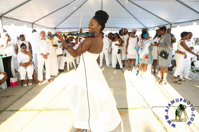 MAXINE GREAVES PURE WHITE ONTHE BAY A TOUCH OF AFRICA-7.jpg