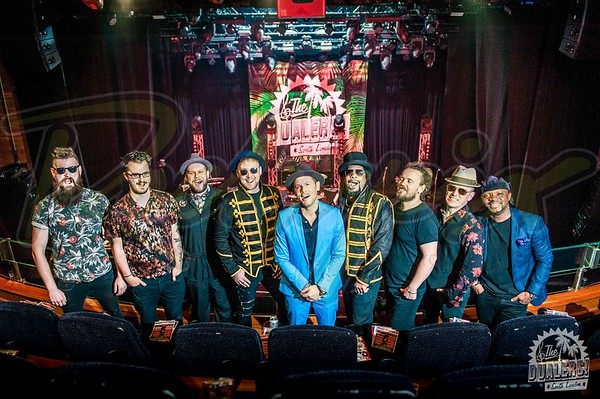 Dualers - Indigo Backstage