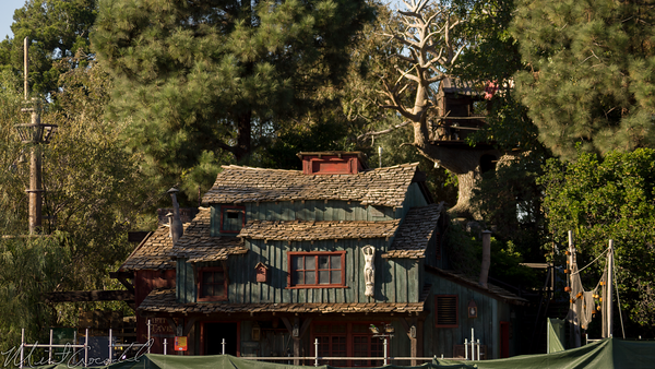 Disneyland Resort, Disneyland, Christmas, Holiday, Holidays, Christmas Time, Frontierland, Tom Sawyer Island, Tom, Sawyer, Island
