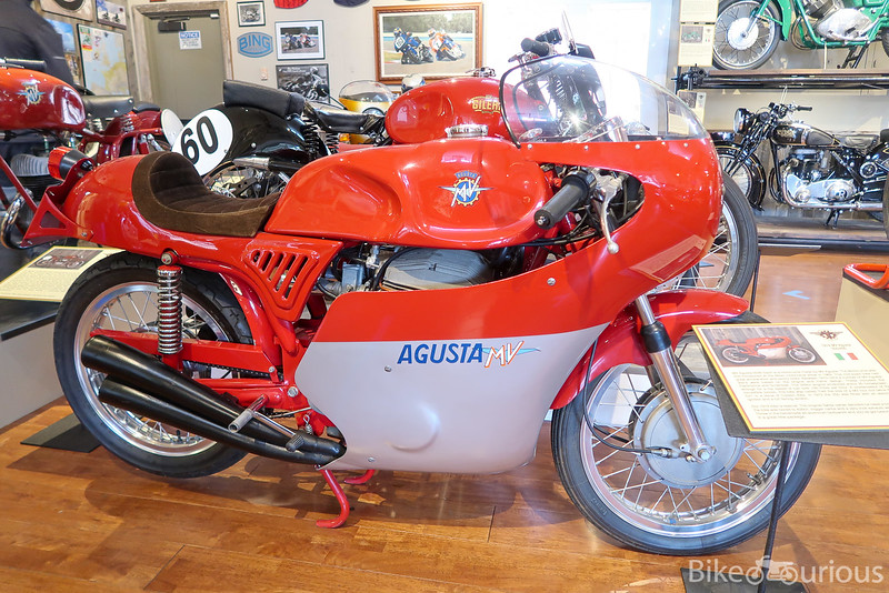 MV Agusta 350B - Right Side.jpg