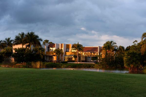 Golf del Tigre, Casa by Petro RobertoPeña
