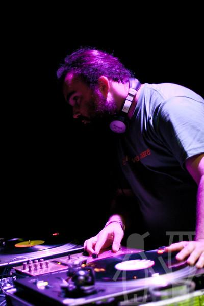 2010-07-24-DJ'er_på_sommerkvarteret-Adrian_Nielsen-02.jpg