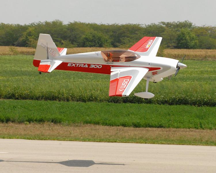 Extra 300 landing Seth Arnold.jpg