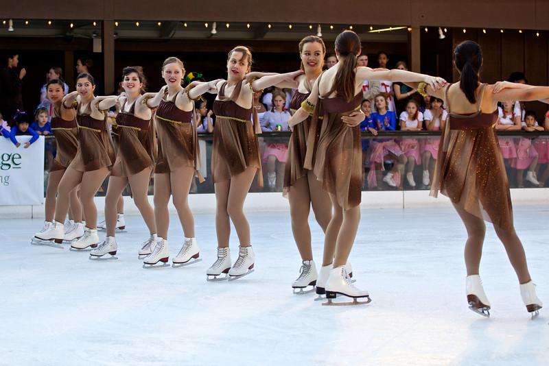 Skating  10061.jpg