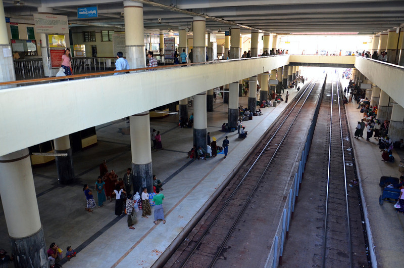 DSC_4589-train-station-platforms.JPG