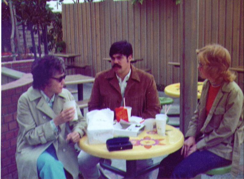 Bonnie, Mike & Mona, San Diego 816x597.jpg