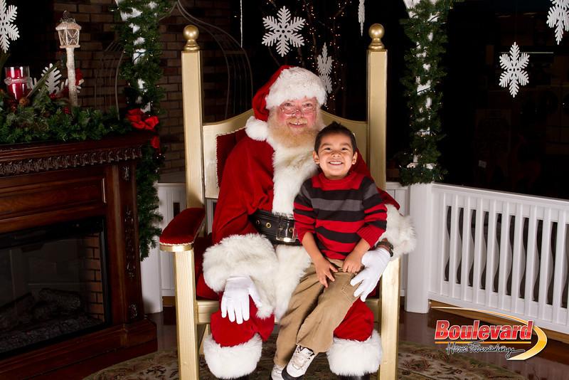 Santa Dec 15-227.jpg