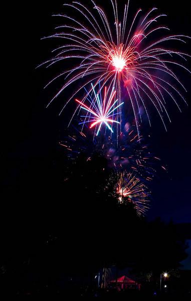 Fireworks at Burlington Waterfront - 14.jpg