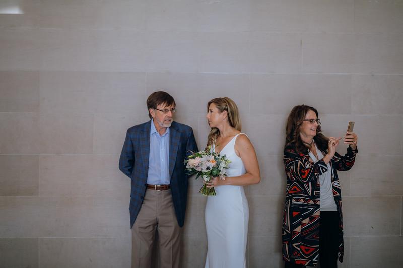 2018-10-04_ROEDER_EdMeredith_SFcityhall_Wedding_CARD1_0068.jpg