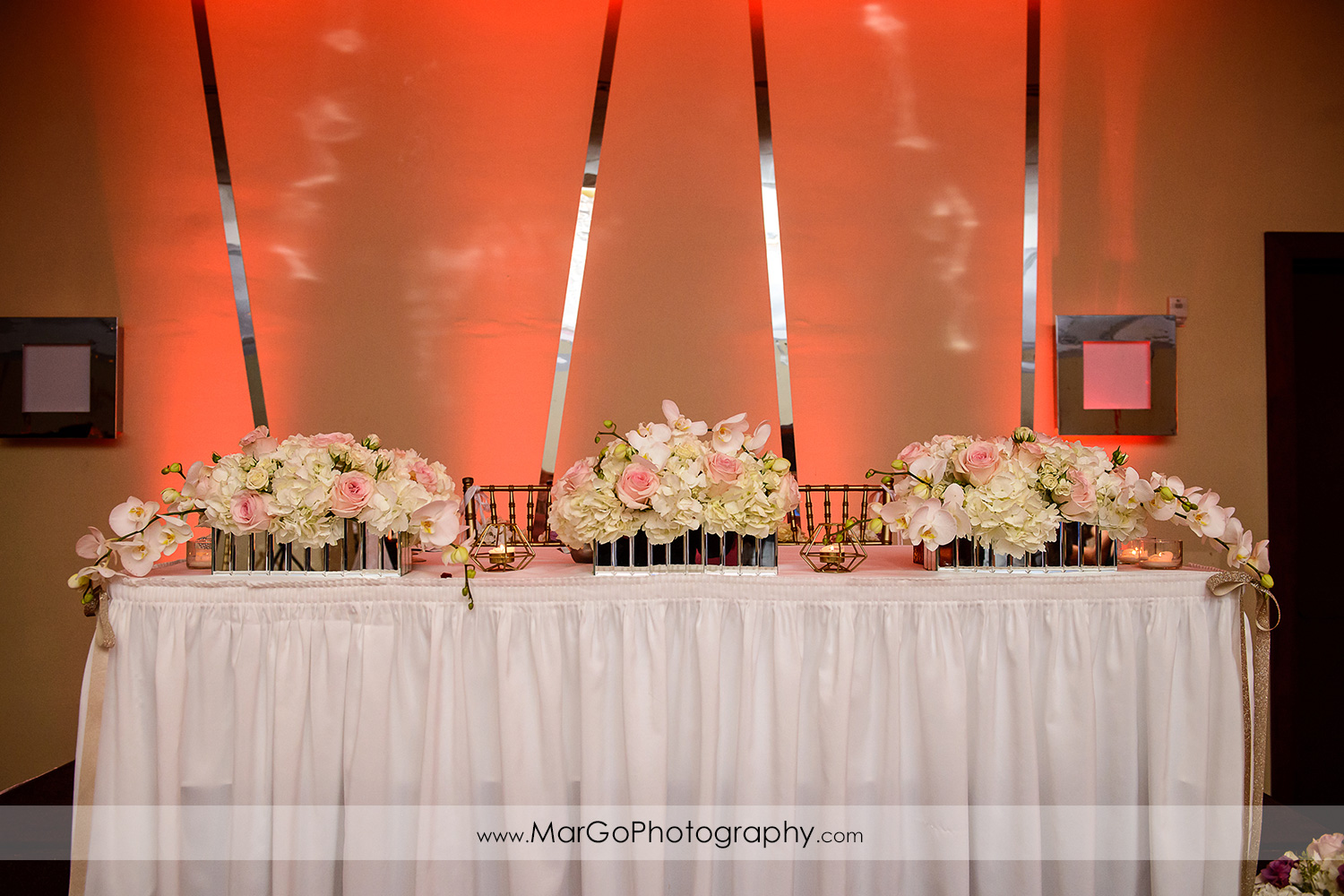 sweetheart table at Hilton San Francisco Airport Bayfront in Burlingame