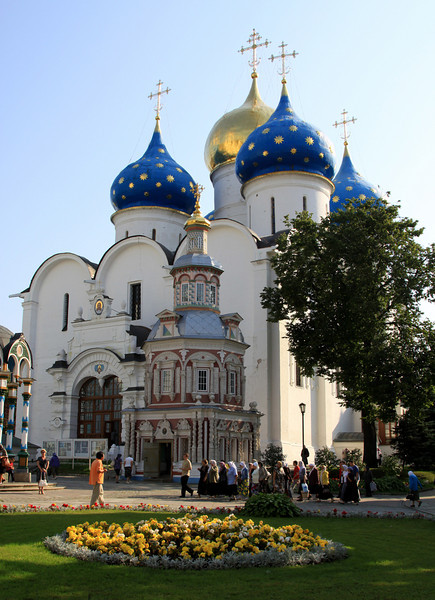 Trinity Monastery of St Sergius, Sergiev Posad - Cathedral of the Assumption, completed in 1585 and modelled on the cathedral of the same name in the Moscow Kremlin.  It was financed by money left by Ivan the Terrible in a fit of remorse for killing his son.