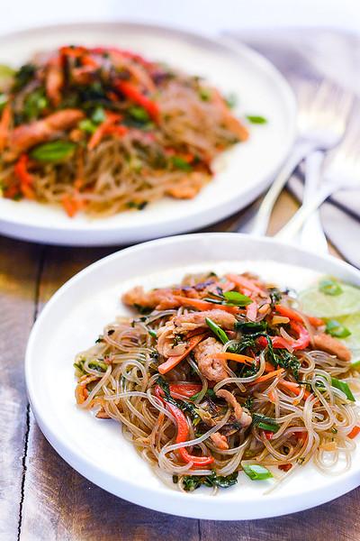 (c) Healthier Steps http://healthiersteps.com/recipe/japchae-korean-stir-fry-noodles/