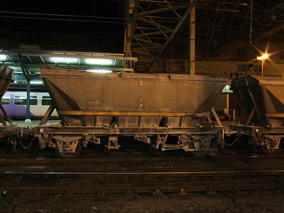 HFA - 2 Axle 'MGR' Style Lime Hopper Wagon (with Canopy)