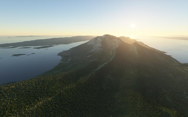 Poloostrov Pelješac a hora Sveti Ilja, vlevo ostrov Korčula.