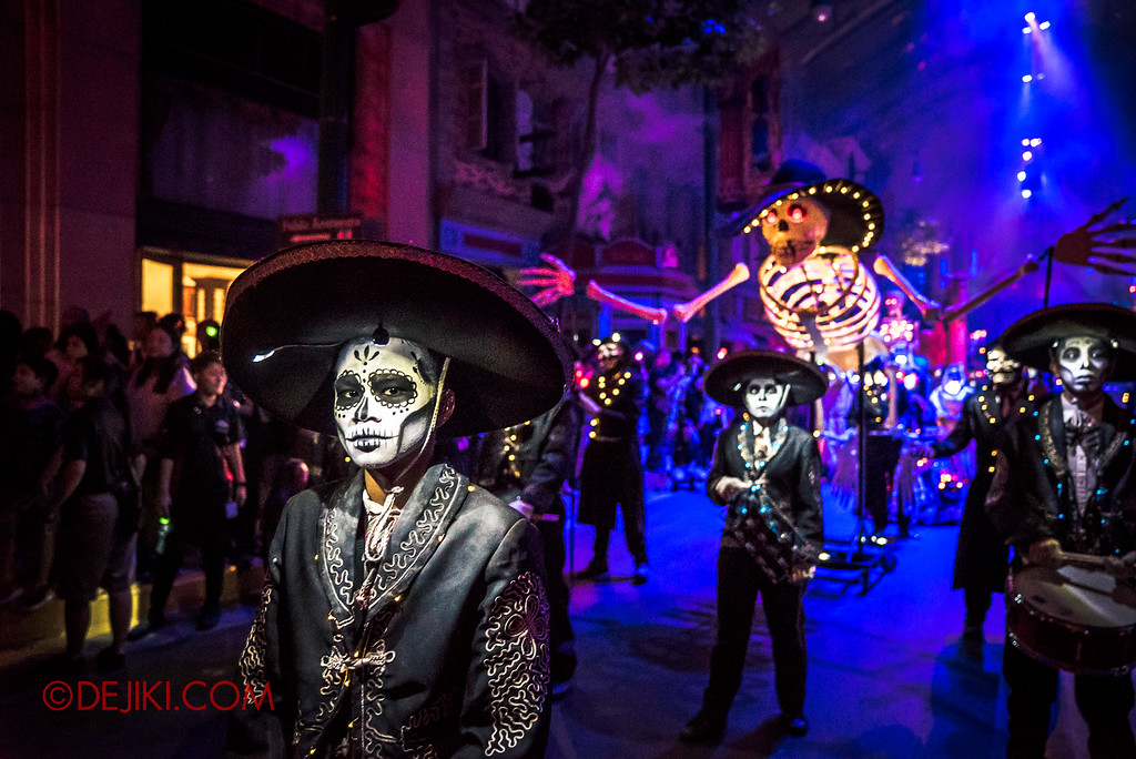 Halloween Horror Nights 6 - March of the Dead / Death March - The Band, Leader Z
