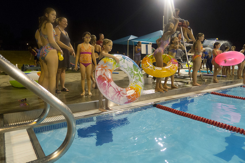 Hampton Dolphins Pool Party-0021-1120780.jpg