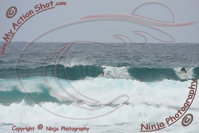 2009_11_12 - Surfing Laniakea, North Shore (OAHU) - Kurt