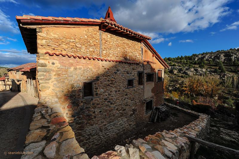 KCMB catalanazor village 2000-70-1214.jpg