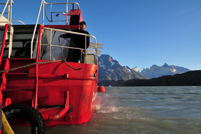 TorreDelPaine Glacier-009.jpg